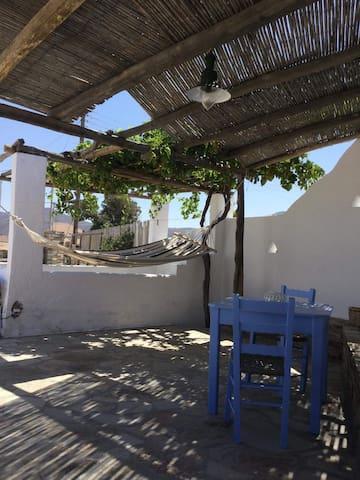Cycladic  Summer House In Antiparos-Livadia