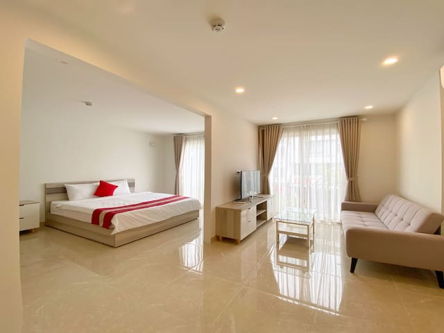 Luxurious Apartment w/ Wi-Fi + Smart TV