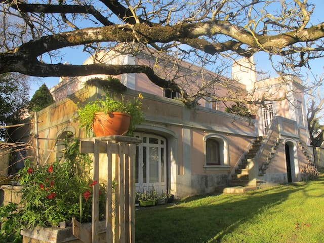 Private double bedroom in an old farm - Sintra - Sintra - Vila