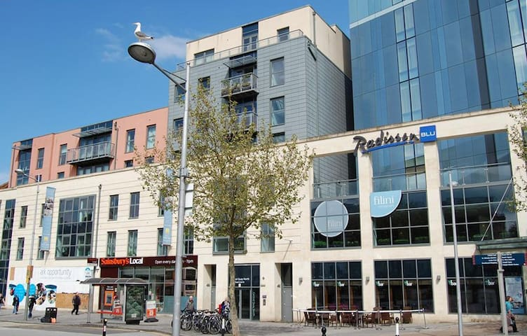 Brand new luxury en-suit double room in the center - Bristol - Byt