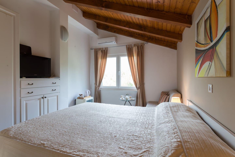 Lovely Cozy Room in Cavtat (2+1) - Casas en alquiler en Cavtat ...