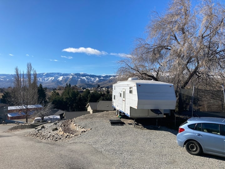 Luxury RV with a view of Columbia valley