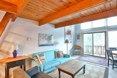 Hunter Mntn 2 bedroom with loft  Slope Side Condo