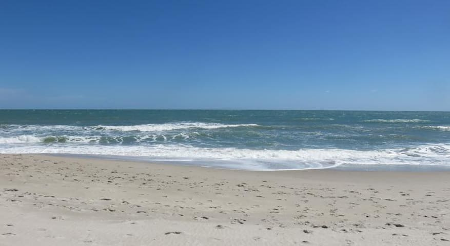 Beach Side Condo - Near Cape Canaveral - Indian Harbour Beach - Társasház