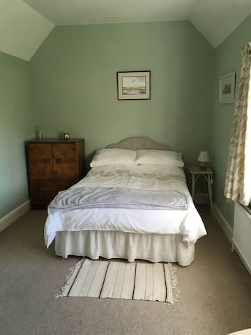 Double room in farmhouse near Fakenham