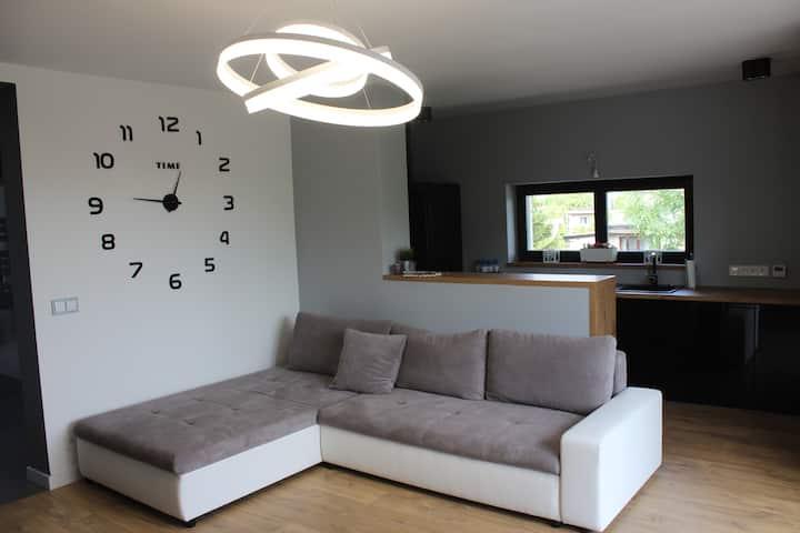Wola Modern Apartment Black