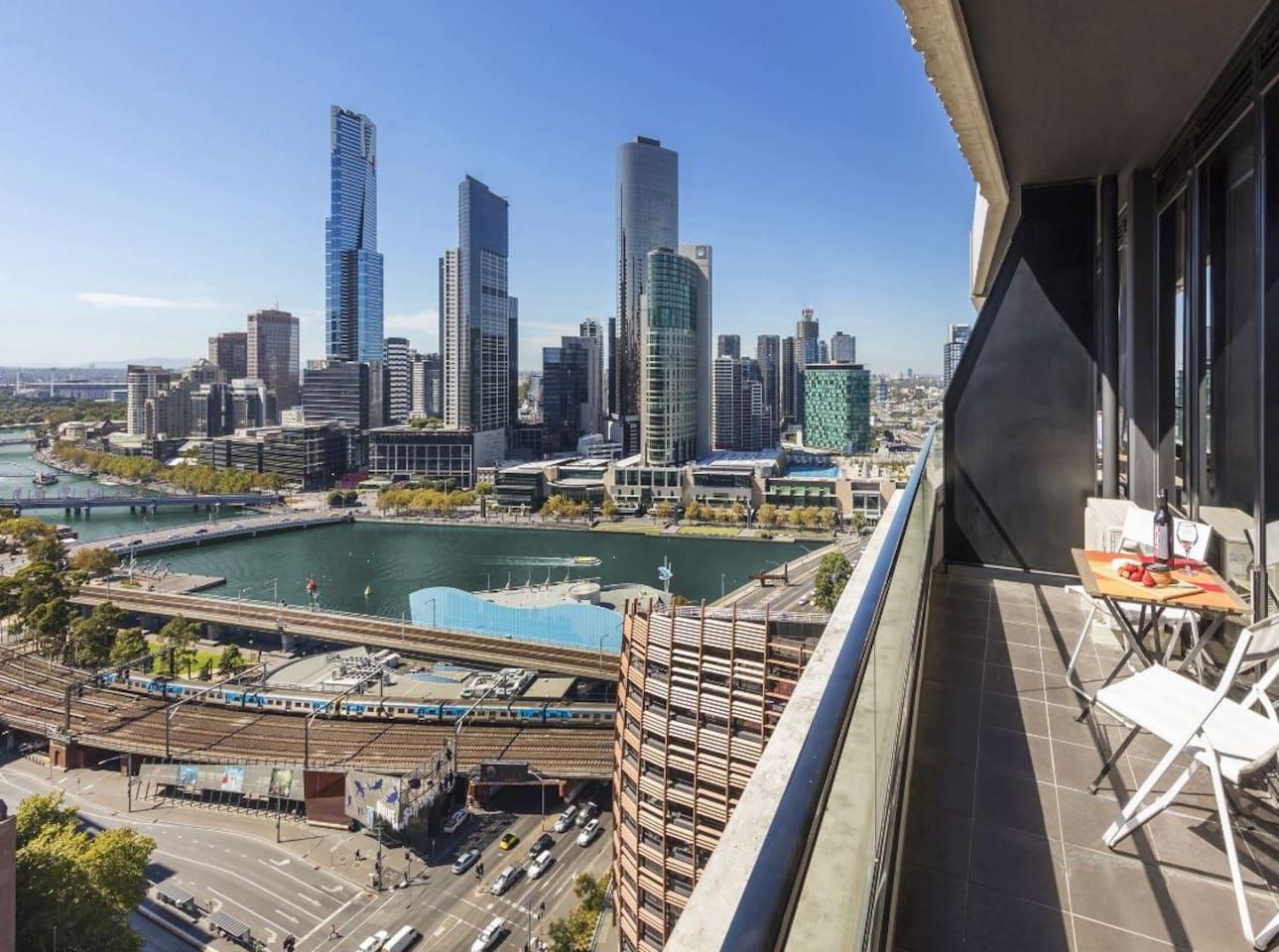 1 Bedroom Apartment View Melbourne CBD