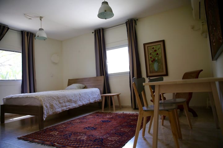 A cozy one bedroom apartment - Rishpon - Apartment