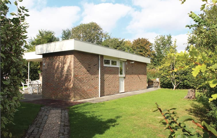 Nice home in Wolphaartdijk with WiFi and 2 Bedrooms