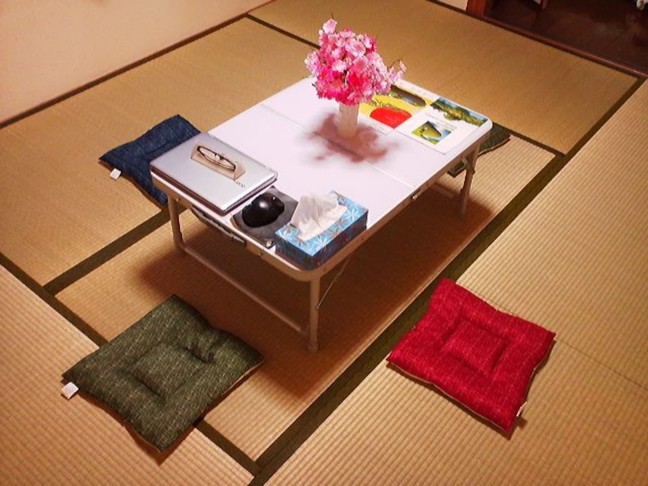 Room of the tatami mat.About 10 square meters.  6帖の和室。