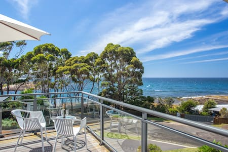 REEF ON COLLERS  -    escape . unwind . discover - Mollymook - House