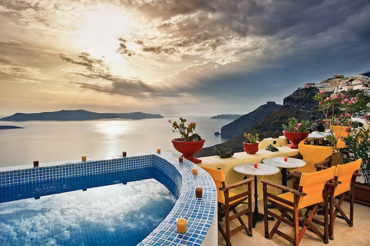 Iriana traditional Apartments with Caldera view - Thira - Apartamento