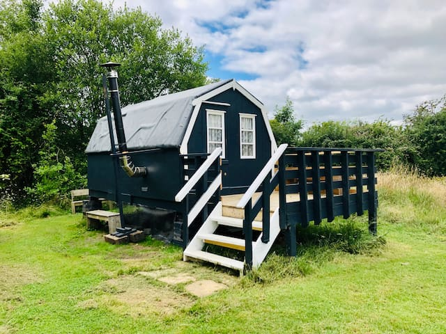 Little Dutch - our new hut with wood-burning stove