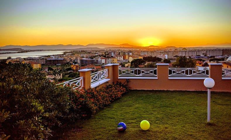 シ Visit Cagliari-Panoramic garden on Poetto Beach!