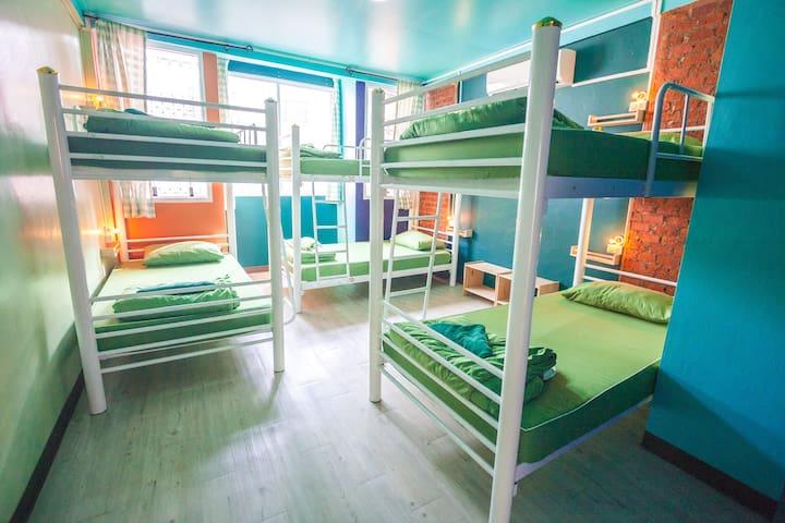 6 Bed Mix Dormitory