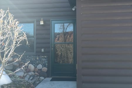 Cabin Apartment Off the Beaten path - Glenwood Springs