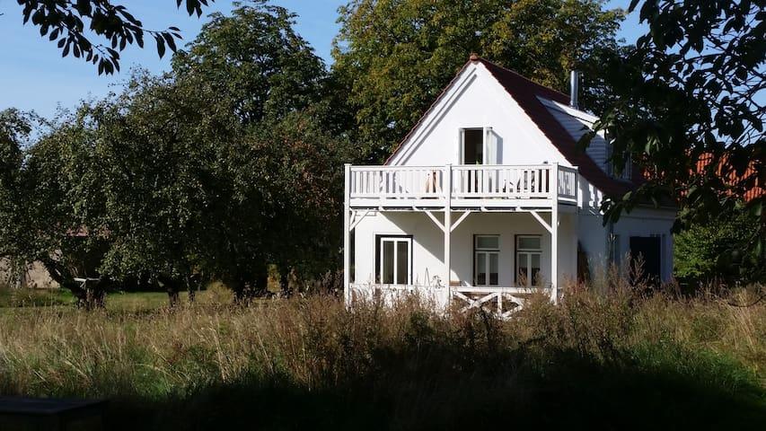 Kleines Landhaus in Ostseenähe
