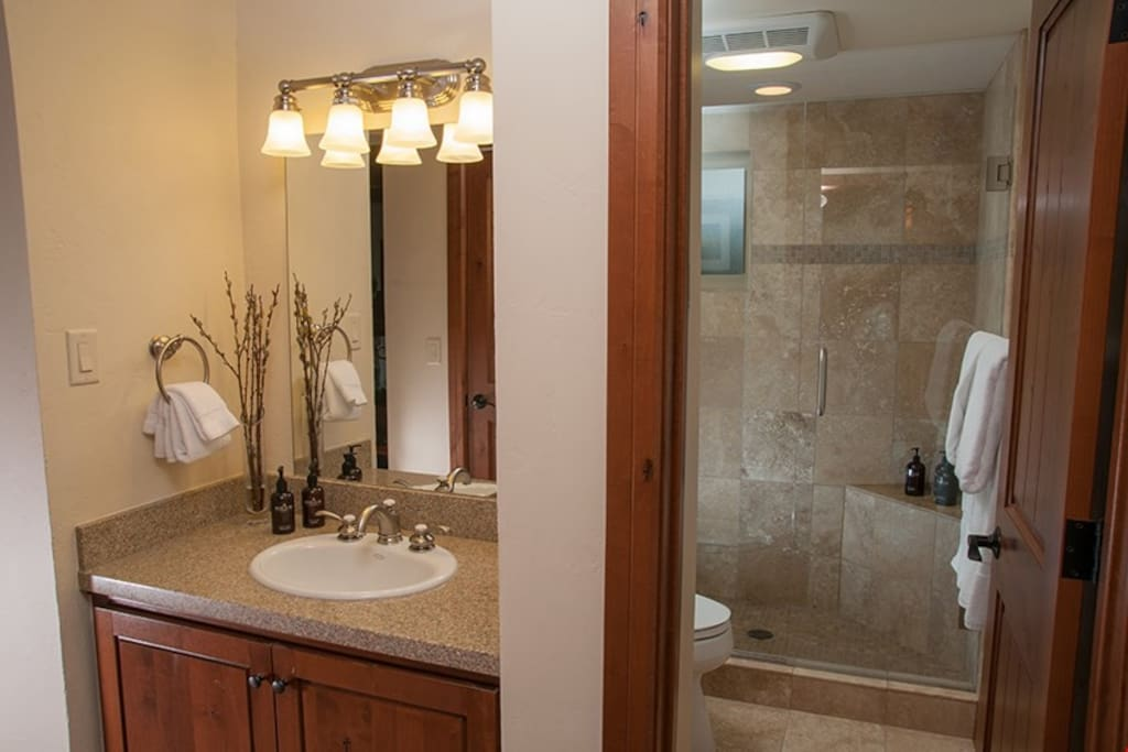 The spacious bathroom allows everyone ready to get ready in the morning.
