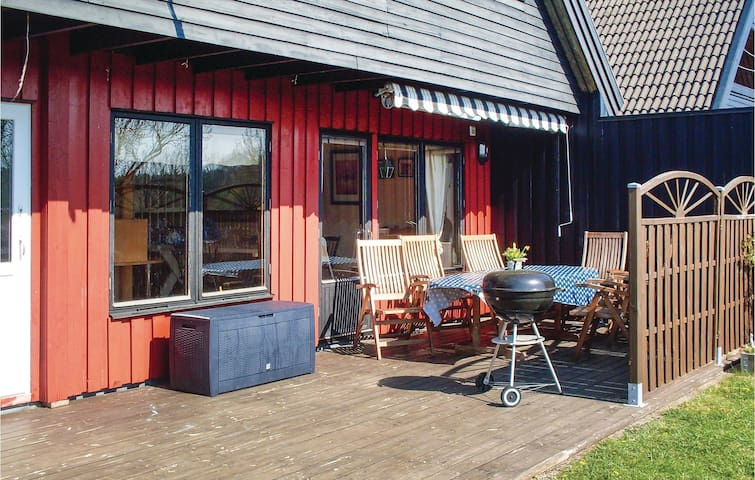 Holiday apartment with 3 bedrooms on 135m² in Gunnebo