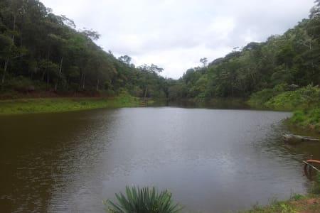 Casa de Campo/ Sitio 2km BR 262 - Marechal Floriano - Cabana
