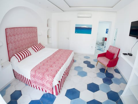 Syreness Suites red suite in Sorrento centre