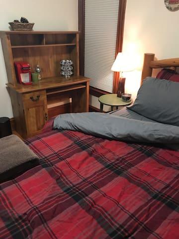 Most Convenient Spot in Burlington, Room #2