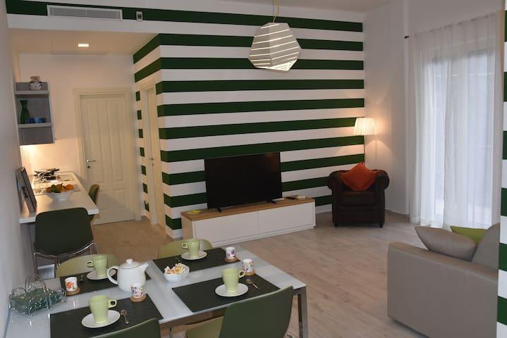 """Casa Vacanze """"Anda e Rianda"""": La Piazza, in centro - Massa Lubrense - Appartamento"""