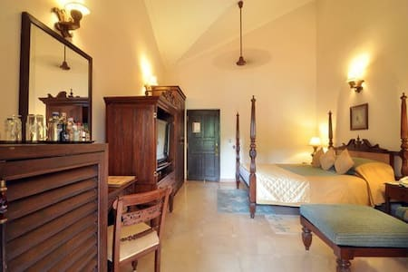 Deluxe Spanish Style room in central Calangute - North Goa