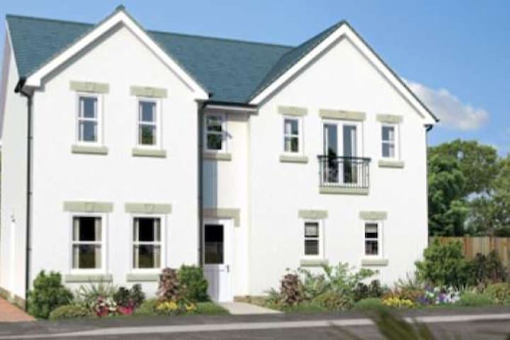 Gleneagles, Auchterarder, a detached, modern house - Auchterarder