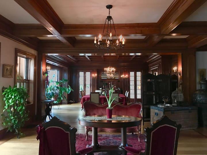 "Berkshires ""Cottage"" Edmister House The Arden Room"