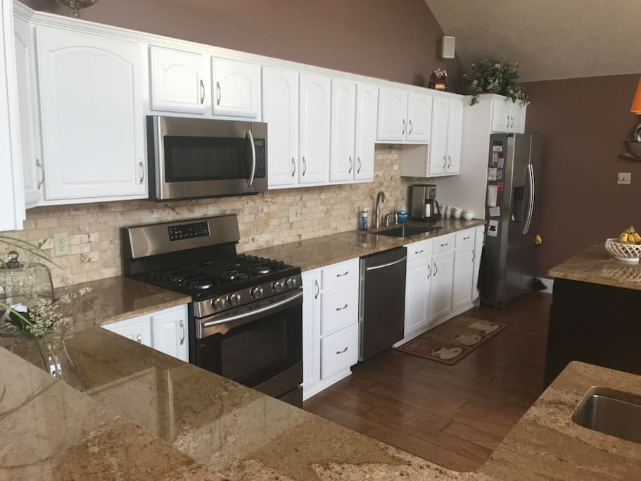 Fully equipped kitchen with all new appliances.