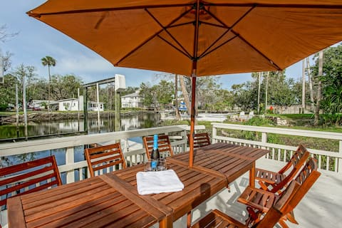 Waterfront Home on Crystal River with Spring Vents