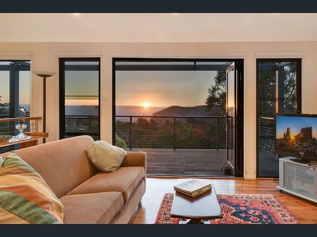 Narrow Neck Views - Peaceful 4 bedroom home