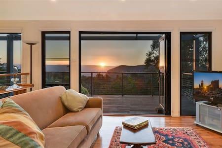 Narrow Neck Views - Peaceful 4 bedroom home