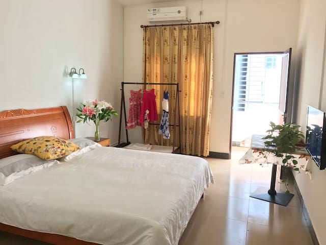 204-King Room with a king bed, balcony, kitchen - Sanya - Serviced apartment