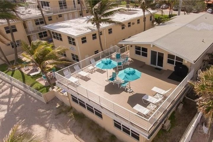 Spectacular Beachfront PH - Lauderdale by the Sea!