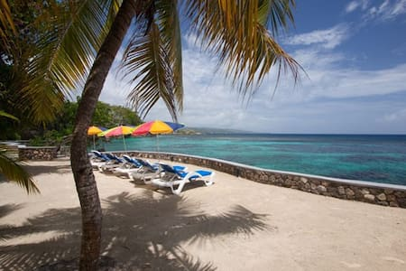 Golden Clouds (8 bedrooms) - Ocho Rios - Villa