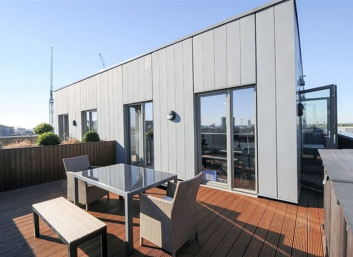 Lovely Penthouse Flat - Shared Bathroom - Zone 2