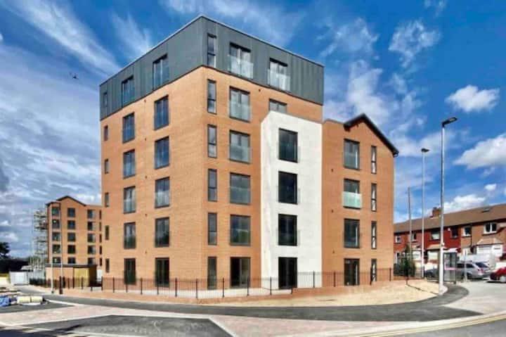 Luxury new built flat close to Leeds city centre
