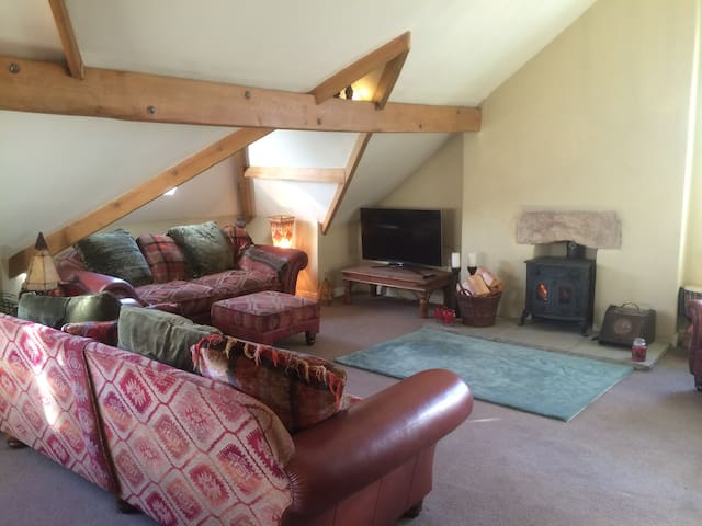Lovely large character apartment, Yorkshire Dales