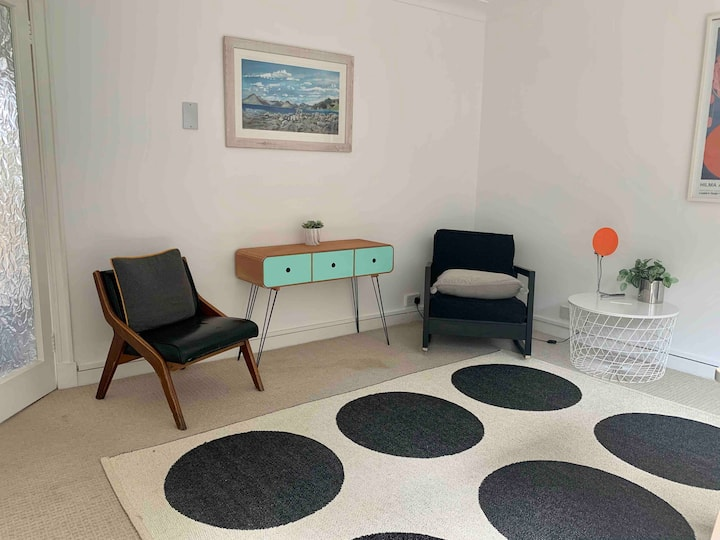 A modern, bright double room, in Trinity; 2 bikes