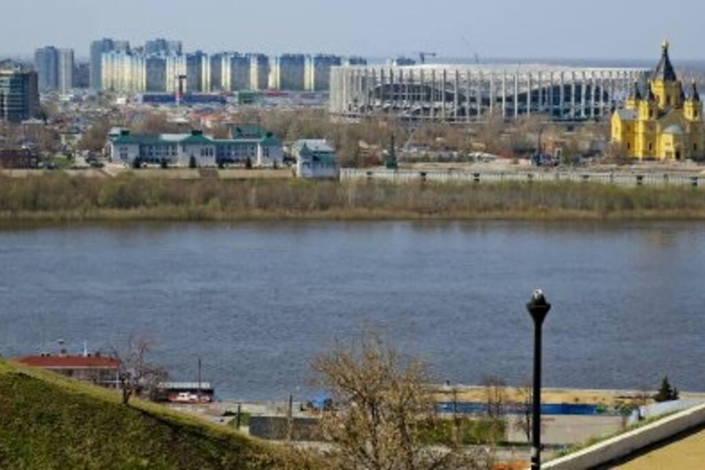 Вид из окна.  Набережная Федоровского 3 км до Стадиона/ 3 km to the stadium