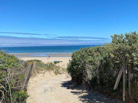 Charmant 3 pièces avec terrasse à 50m de la plage