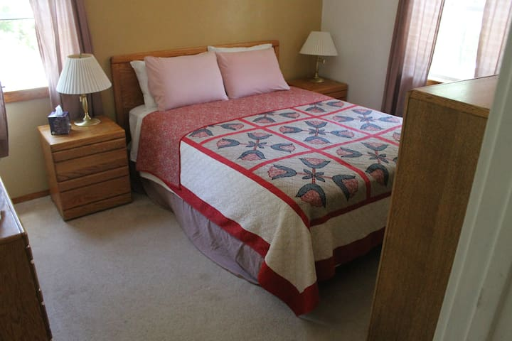 Bedroom Cottage #4