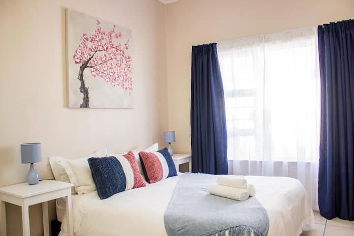 Fully equipped private cottage in Port Elizabeth