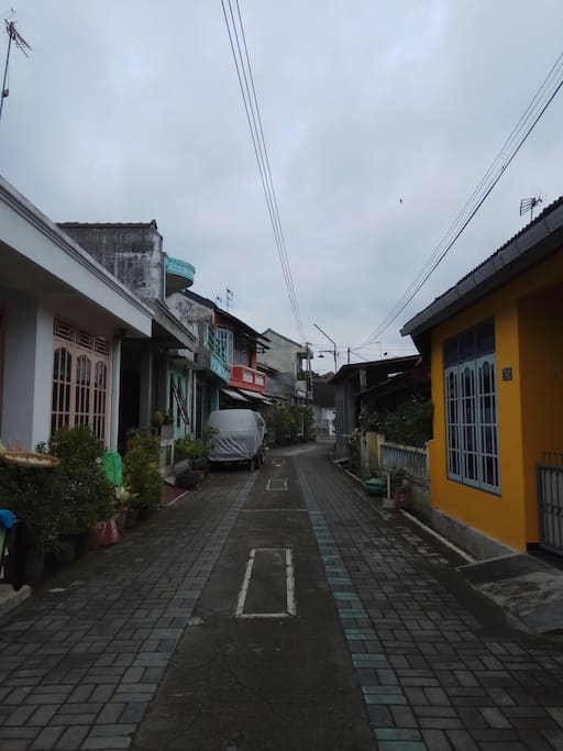 ES Homestay is located in a housing complex, so this picture shows our neighbourhood...