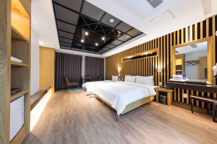 SuiteTwin Room