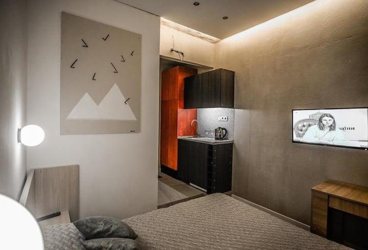Kyiv Lesi Blvd Pyramid Studio