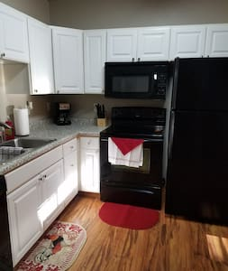 1 bed, 1 bath (T4) Apt Beulah. More for less!