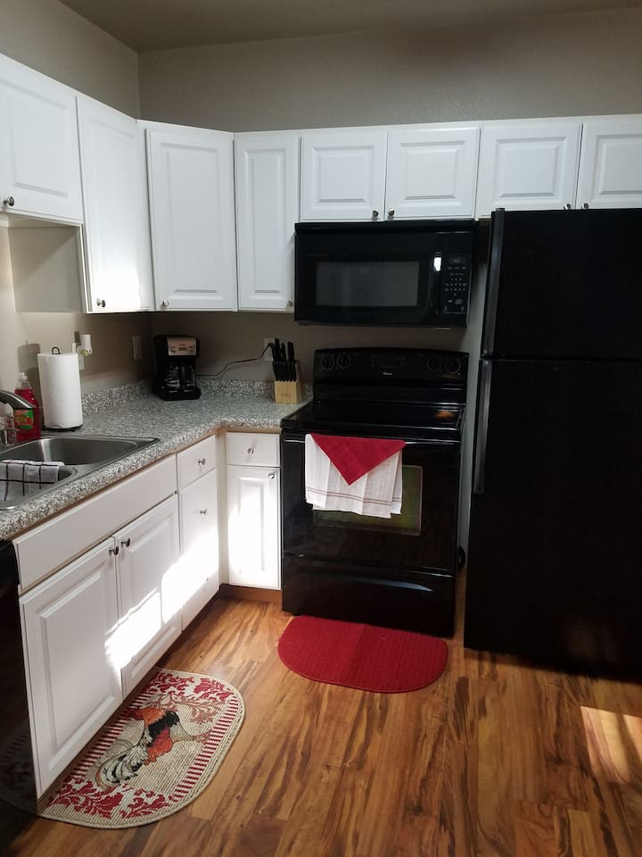 1 bed, 1 bath fully furnished Main St Apt, Beulah!